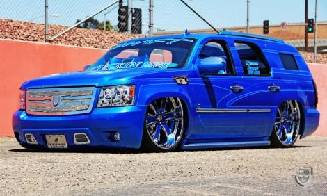 "LEXANI LT-704 28"" x Chevrolet Tahoe"