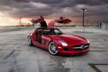 Mercedes-Benz SLS AMG with HRE P207 in Polished Clear