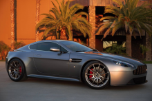 Aston Martin Vantage with HRE P43SC in Polished Dark Clear